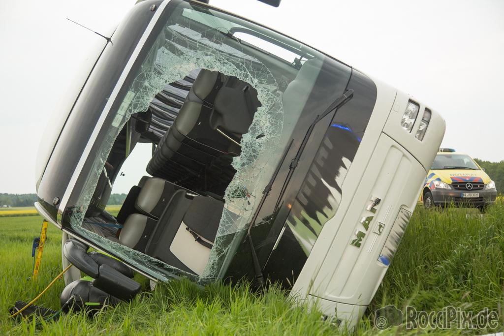 Bildergebnis für busunfall 2016